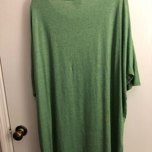LuLaRoe Tops - NEW W/O TAGS. 2XL LLR IRMA